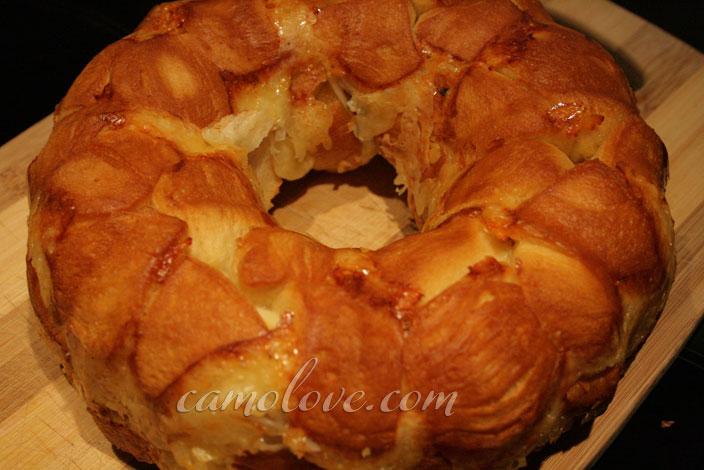 Savory Shallot Monkey Bread