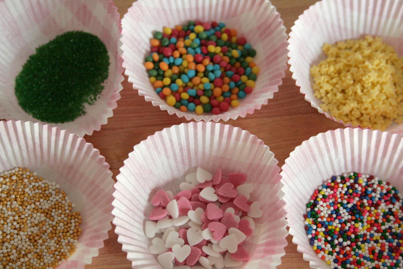 Как сделать сахарные шарики для торта в домашних условиях